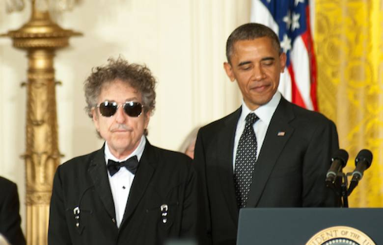 Take this badge off of me: disertación sobre el Nobel de Dylan