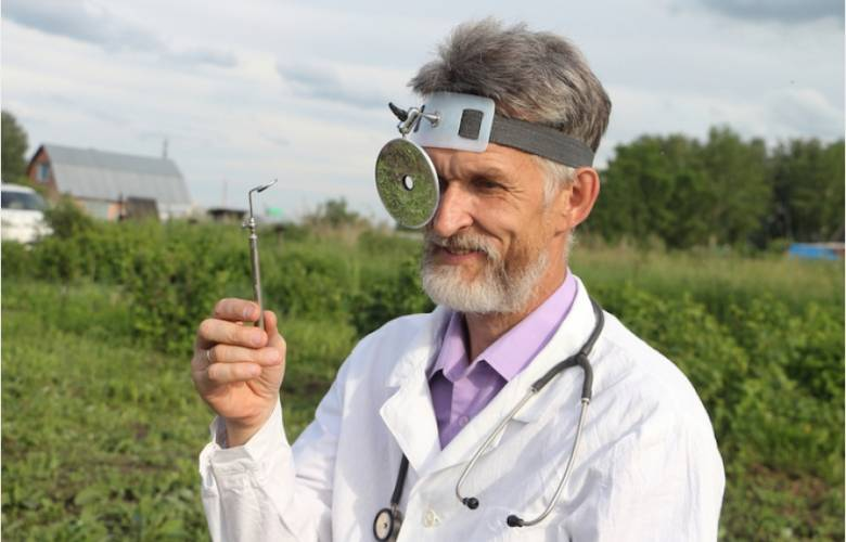 Dr. Salazar (III)